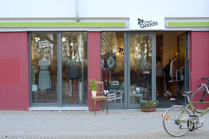 DearGoods Berlin | Vegan Store | Vegane Mode | Foto: Florian Wenningkamp | GROSSARTIG