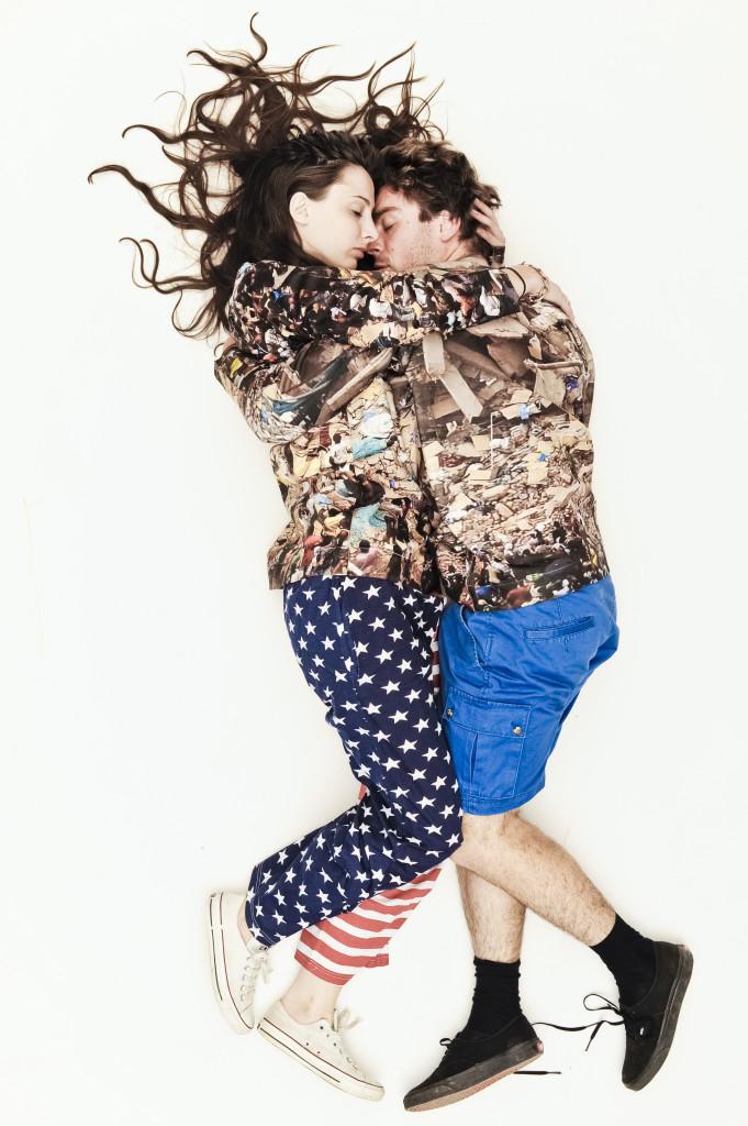 "Bobby Kolade & Manu Washaus | Sweater ""Study of the Impossible"" | Foto: anna k.o. | GROSSARTIG"