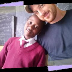 Kipepeo Clothing | Kinderzeichnungen aus Tansania | Faire Mode, auch für Kinder | Foto: Kipepeo Clothing | GROSS∆RTIG