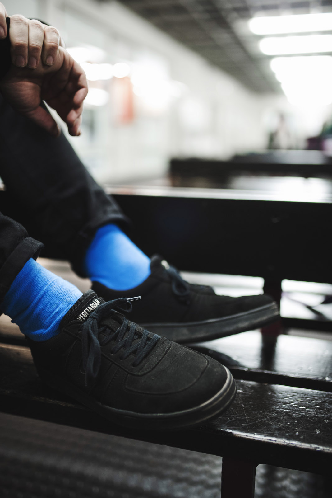 Z² – Zahn und Zieger | Erika-Heß-Eisstadion | Outfit | Rotholz & Vegetarian Shoes & Sock Up Your Life & Nudie Jeans | Fotostory | Foto: René Zieger | GROSS∆RTIG