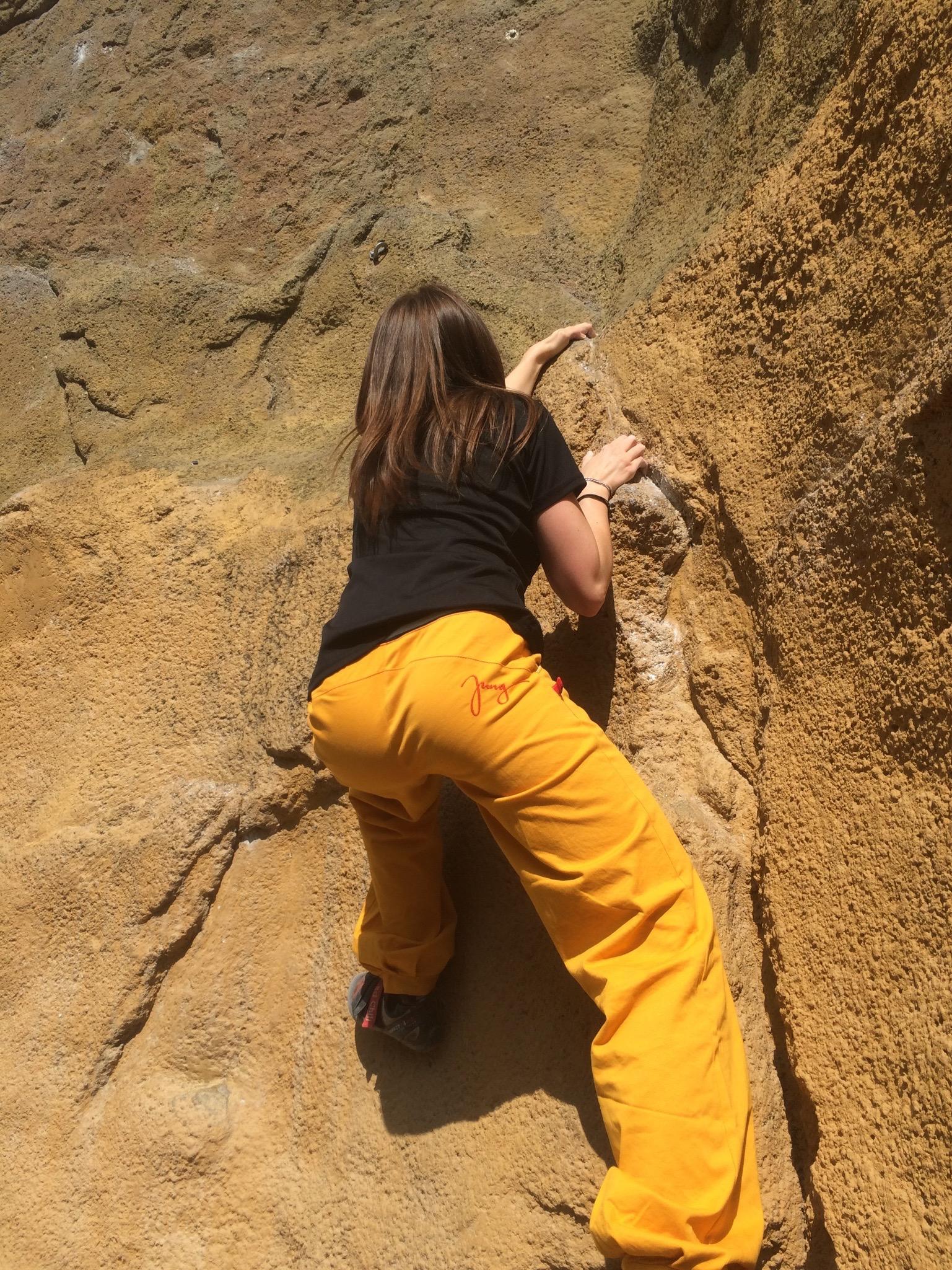 Jung Hosen | Kletter- und Boulderkleidung | Berlin | Bouldern | Foto: Daniela Stölzle | GROSS∆RTIG