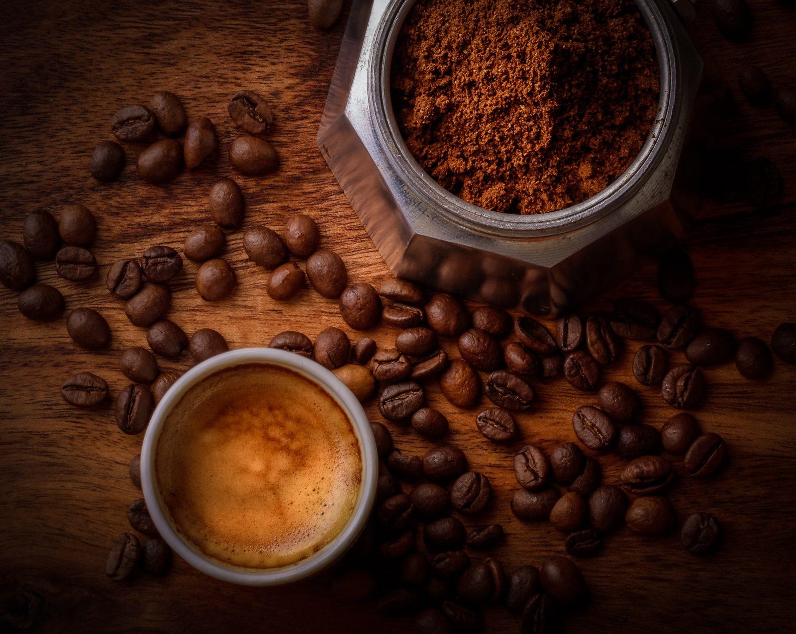 Unterwäsche von Björn Borg – jetzt auch aus Kaffeesatz / S.Café® als neues Material / Foto: 🇸🇮 Janko Ferlič - @specialdaddy on Unsplash / GROSS∆RTIG